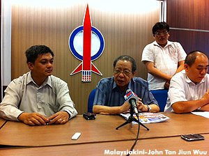 Lim Kit Siang press conference pic (photo by Malaysiakini)